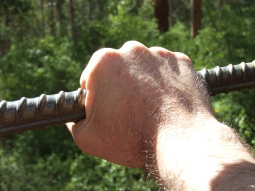 iron rod, hand, hold to the rod, fishing, pannellbytes, Duane Pannell, Russian Redneck